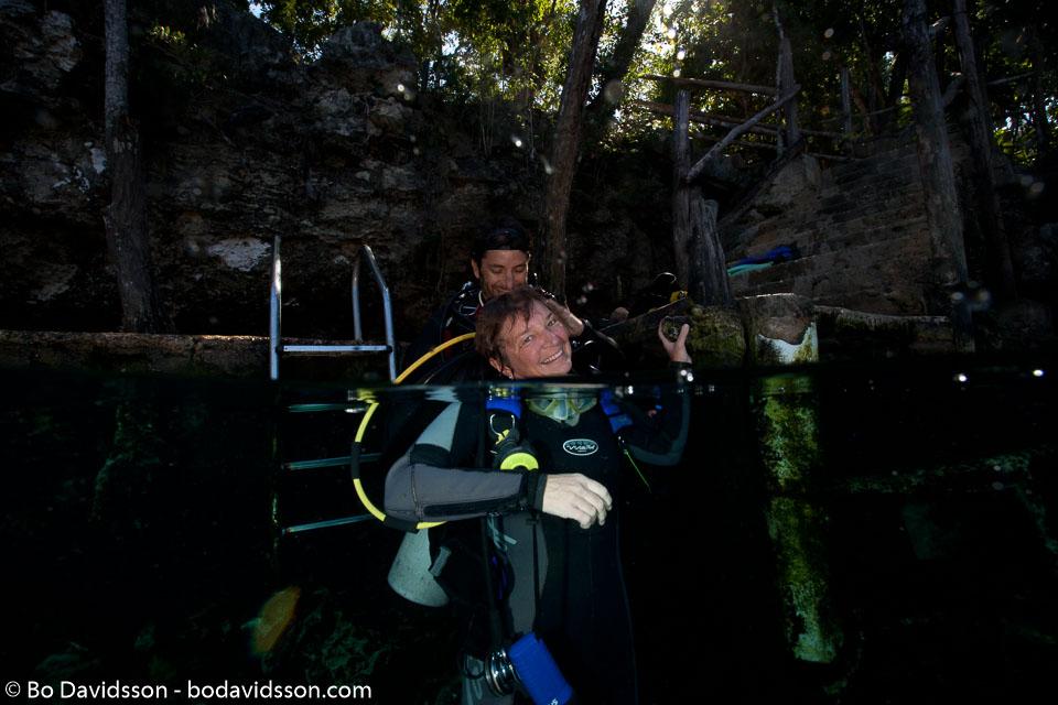 BD-101210-Cenotes-3018-Homo-sapiens.-Linnaeus.-1758-[Diver].jpg